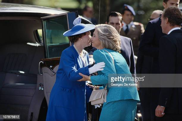 Queen Elizabeth II greets Queen Sofia of Spain during a visit to Madrid 17th October 1988