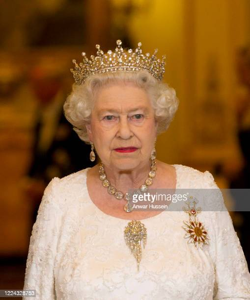 Queen Elizabeth II hosts a State Banquet for the President of Turkey Abdullah Gul at Buckingham Palace on November 22, 2011 in London, England.