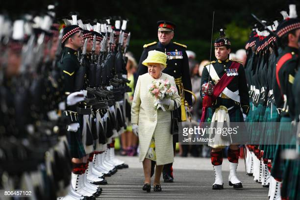 Queen Elizabeth II inspects the guard of honour Balaklava Company The Argyll and Sutherland Highlanders 5th Battalion The Royal Regiment of Scotland...