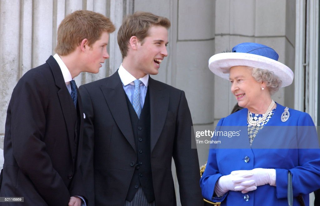Queen William And Harry : News Photo