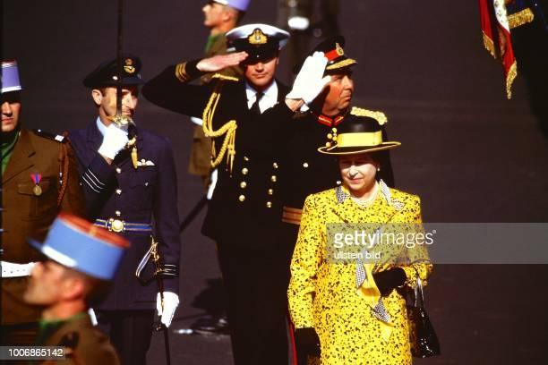 Queen Elizabeth II Königin von Groß Britannien auf Staatsbesuch in Berlin Westberlin am 28 Mai 1987