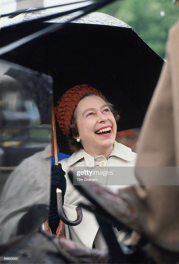 Queen At Windsor Horse Show : News Photo