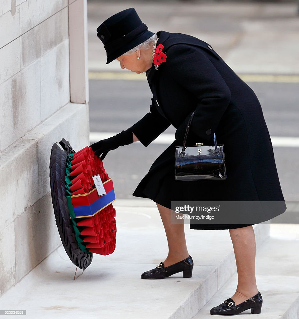 The Royal Family Lay Wreaths At The Cenotaph On Remembrance Sunday : Foto jornalística