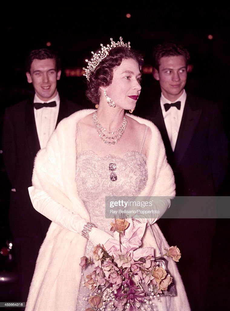 Queen Elizabeth II Visits The London Theatre : News Photo