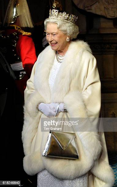 DECEMBER 2007*** Queen Elizabeth II leaves the House of Lords after the State Opening of Parliament