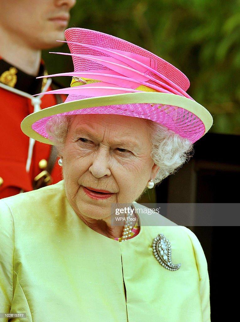 Queen Elizabeth II Visits Canada - Day 6 : News Photo