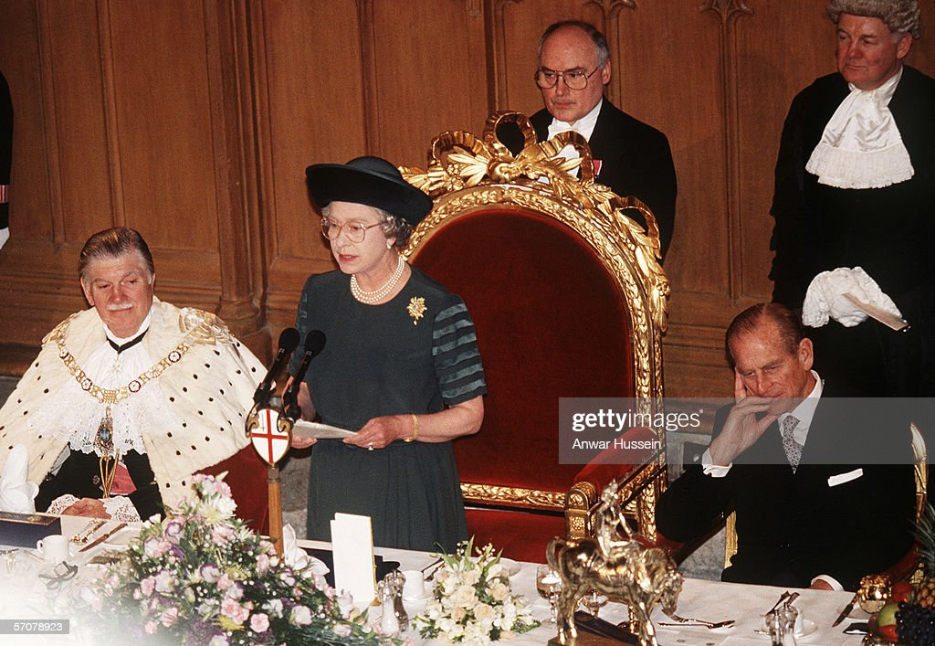 GBR: Queen Elizabeth II makes a speech on her 40th Anniversary : News Photo