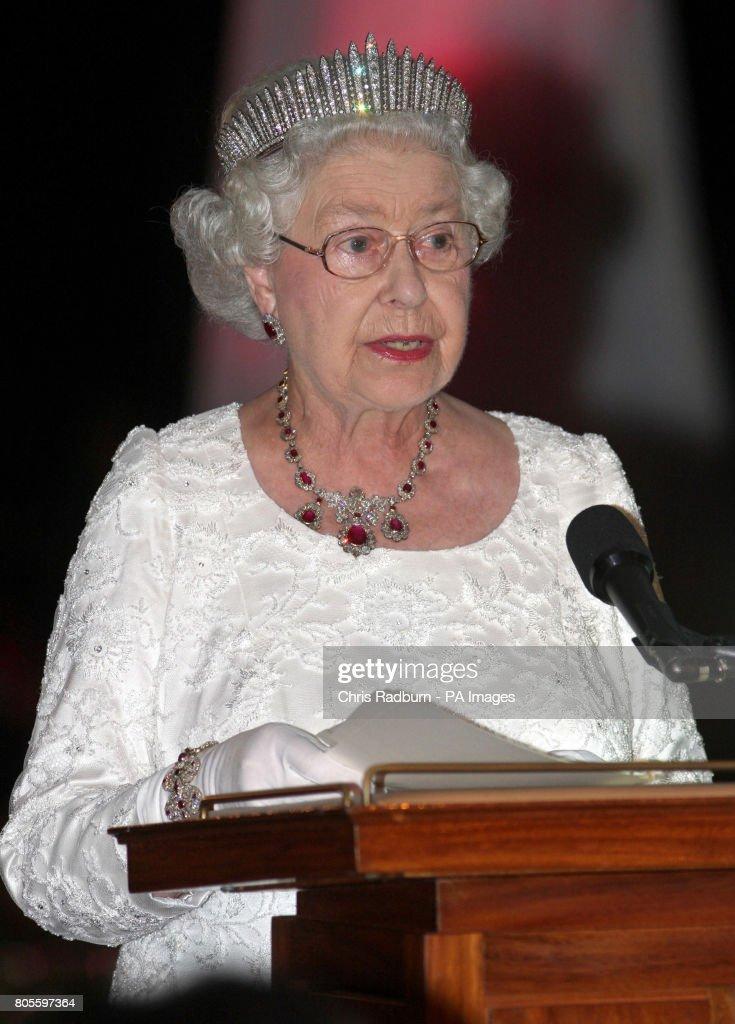Royalty - Queen Elizabeth II Visit to Trinidad and Tobago - Port of Spain : News Photo