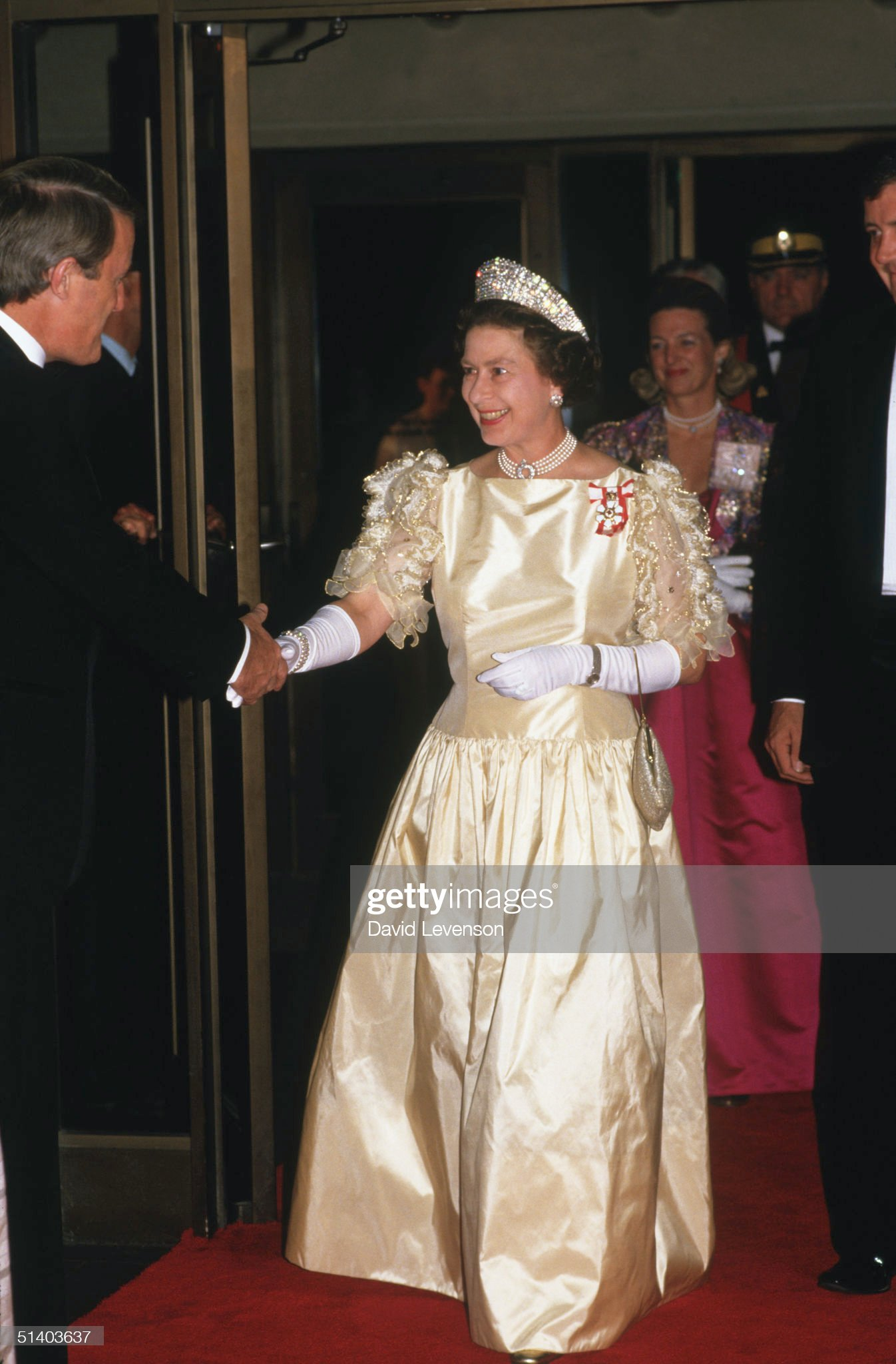 Queen Elizabeth II meets the Canadian Prime Minister Brian Mulroney : News Photo