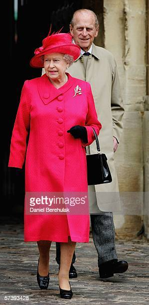 Queen Elizabeth II meets well wishers on April 21 2006 in Windsor England The monarch celebrated her 80th birthday by greeting crowds bearing cards...