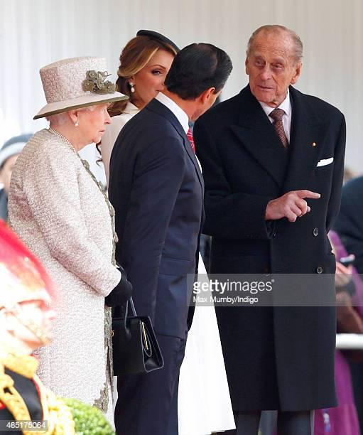 Queen Elizabeth II Mexican President Enrique Pena Nieto Angelica Rivera and Prince Philip Duke of Edinburgh attend the President's Ceremonial Welcome...