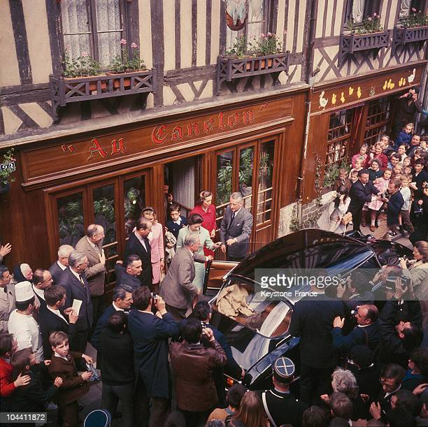 Queen ELIZABETH II on a trip to Orbec Normandy going to the restaurant AU CANETON