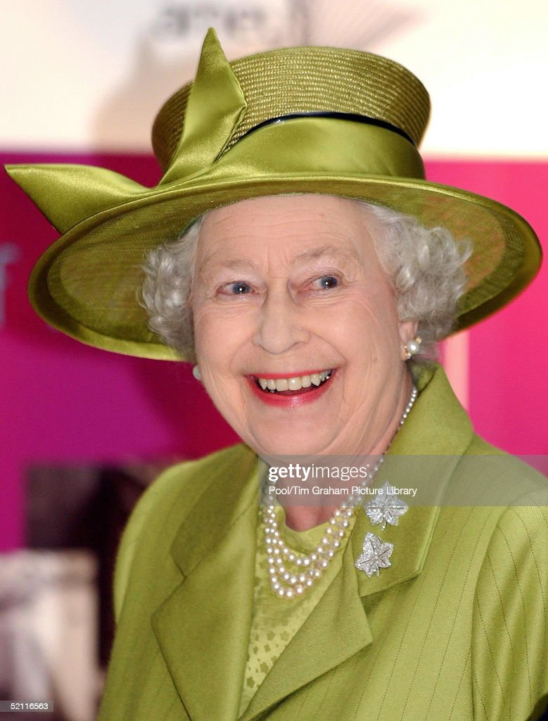 Queen At Ministry Of Defence : News Photo