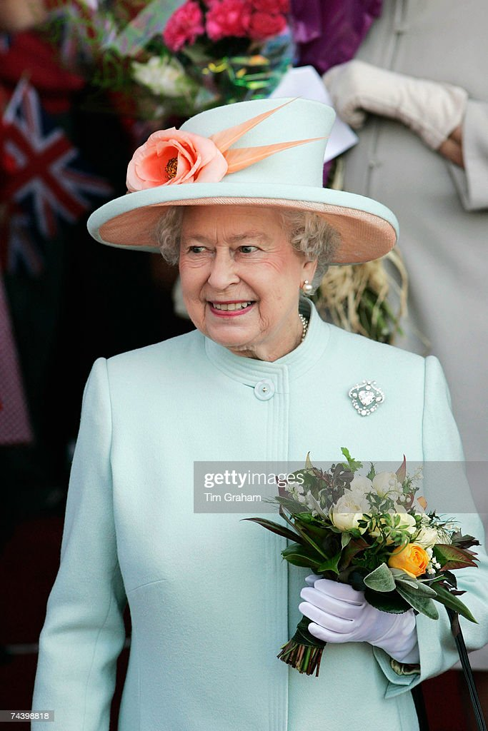 Queen Elizabeth II Opens National Welsh Assembly : News Photo