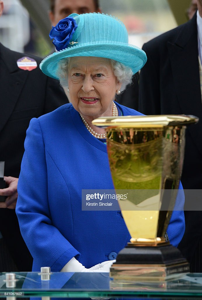 Queen Elizabeth II prepares to award the prizes for the Diamond Jubilee Stakes on day 5 of Royal Ascot at Ascot Racecourse on June 18, 2016 in Ascot, England.
