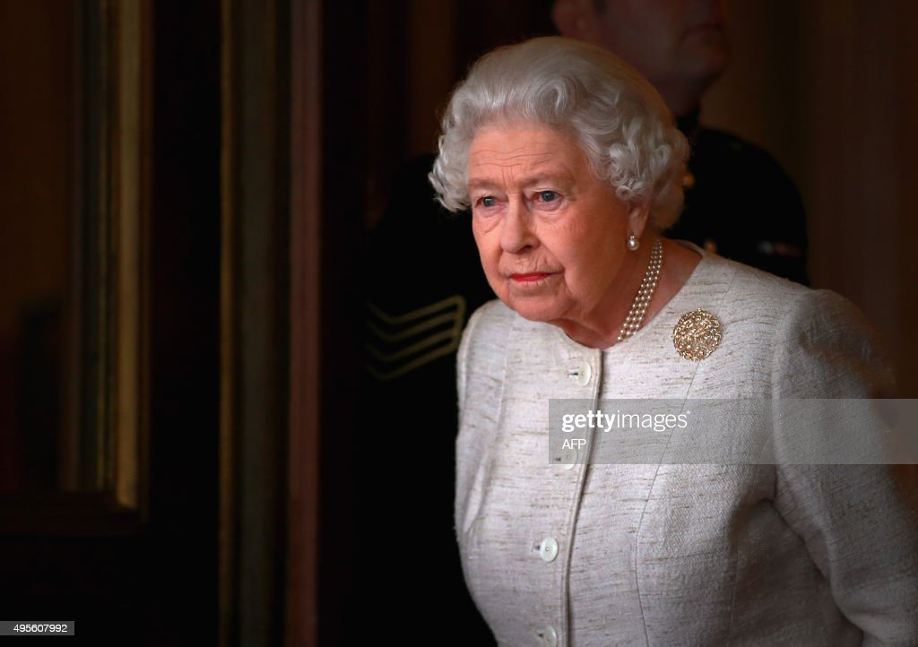 Queen Elizabeth II prepares to greet Kazakhstan President Nursultan Nazarbayev at Buckingham Palace in London on November 4, 2015. Britain and Kazakhstan signed trade deals worth 3 billion GBP (4.2 billion euros, 4.6 billion USD) on November 3 as London rolled out the red carpet for the country's autocratic President Nursultan Nazarbayev. JACKSON / AFP / POOL / Chris Jackson