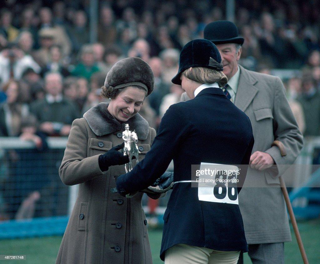 Queen Elizabeth II And Lucinda Prior-Palmer - Badminton Horse Trials : News Photo