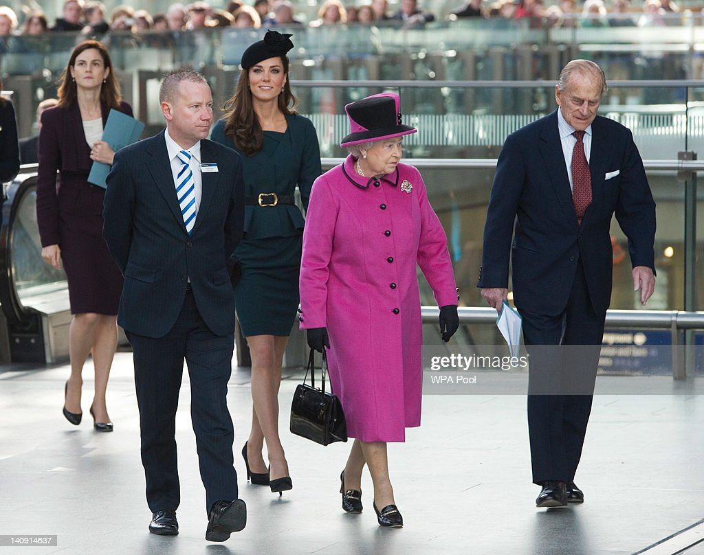 Queen Elizabeth II, Prince Philip, Duke Of Edinburgh And Catherine, Duchess Of Cambridge Visit Leicester : News Photo