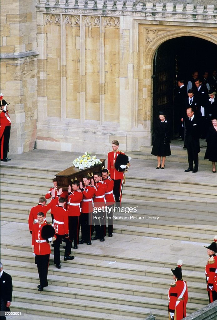 Queen Elizabeth II, Prince Philip, Prince Charles and Prince : Nieuwsfoto's