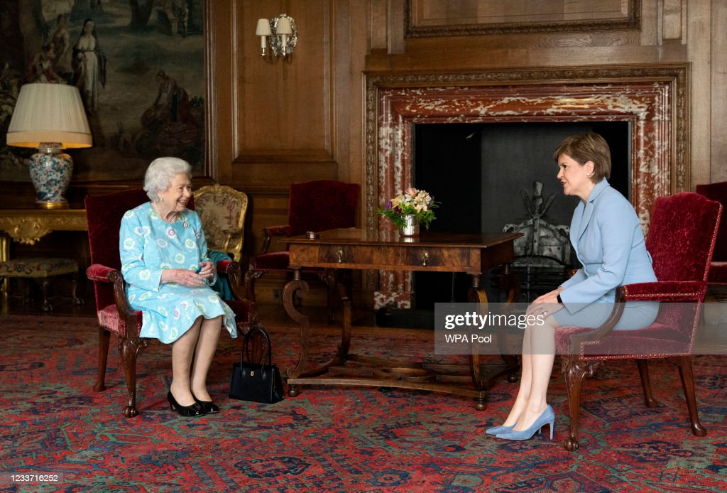 The Queen Visits Holyrood : News Photo