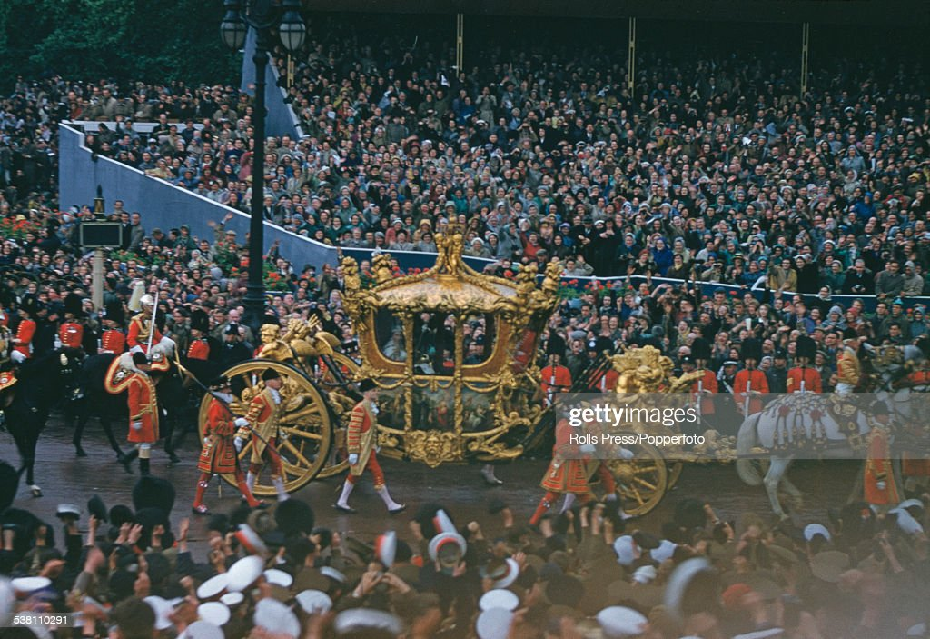 Coronation Procession : News Photo