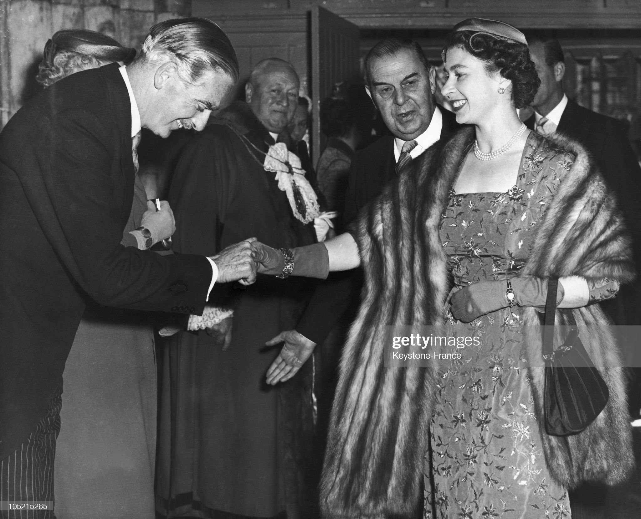 Anthony Eden And The Queen Of England In London 1956 : News Photo