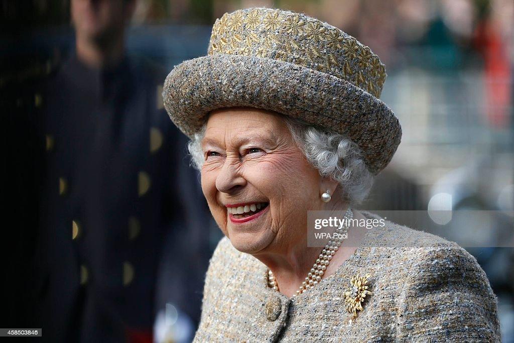 The Queen Opens Flanders Field WW1 Memorial Garden : News Photo