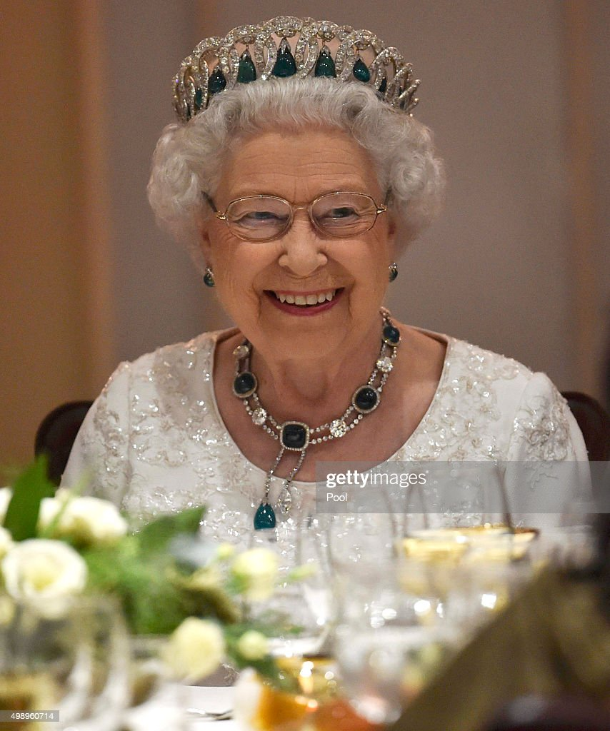 The Queen And Senior Royals Attend The Commonwealth Heads Of Government Meeting - Day Two : ニュース写真