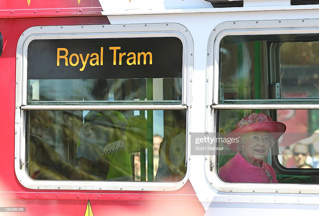 Queen Elizabeth II And Duke of Edinburgh Visit Australia - Day 8 : News Photo