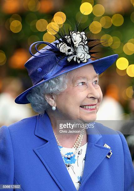 Queen Elizabeth II smiles as she visits the Honourable Artillery Company on June 1 2016 in London England The engagement marks the Queen becoming the...