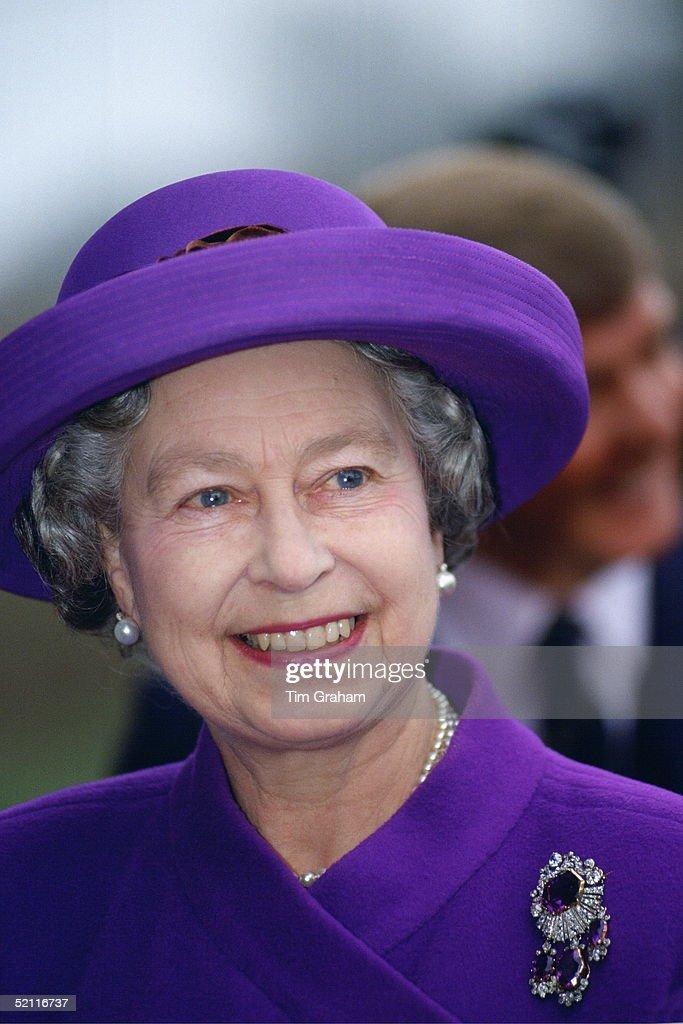 Queen Smiling Norfolk : News Photo
