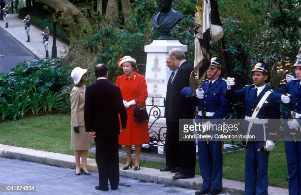 Queen Elizabeth II State Visit to Portugal Unveiling a bust of King Edward VII in Parque Eduardo VII Lisbon 27th March 1985