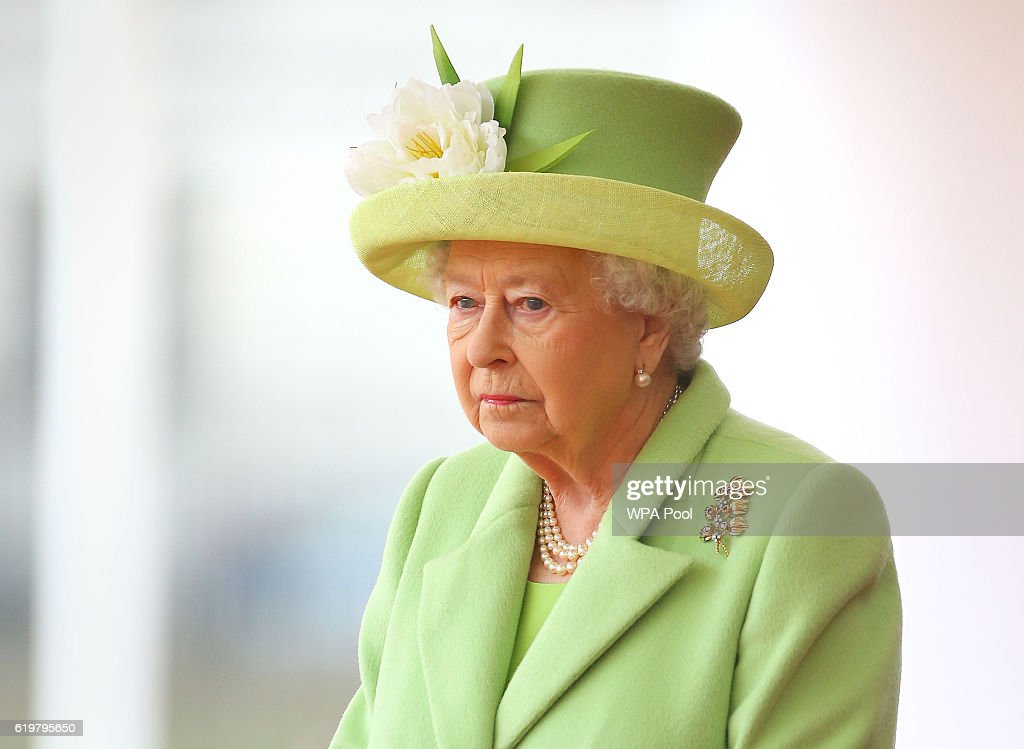 The Queen And Duke Of Edinburgh Welcome President Santos Of Colombia And Mrs Santos : News Photo