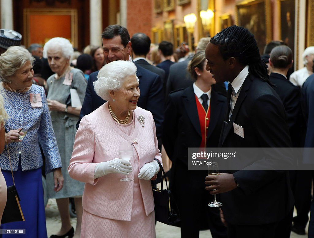 The Queen Hosts Reception To Present The Queen's Young Leaders Awards : News Photo