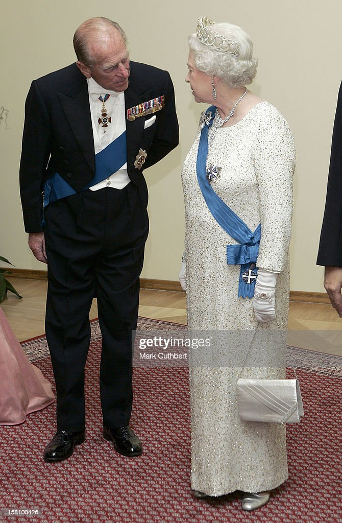 Queen Elizabeth Ii & The Duke Of Edinburgh Visit The Baltic States : News Photo