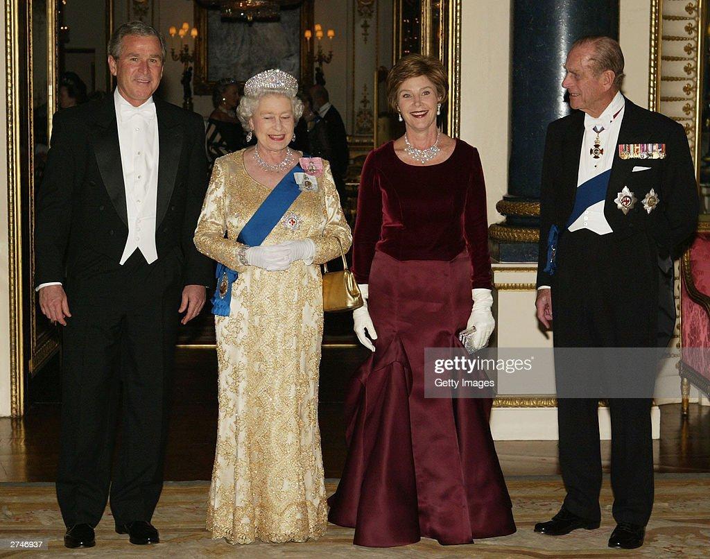 President Bush Attends Banquet At Buckingham Palace : News Photo