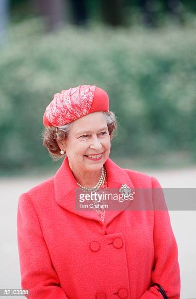 Queen Elizabeth II Visiting 5th Airbourne Brigade Regiment She Is Wearing The Cullinan V Heart Brooch Diamonds The Queen's Coat Was Designed By...