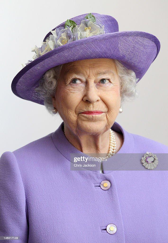 Queen Elizabeth II Visits The East Midlands : News Photo