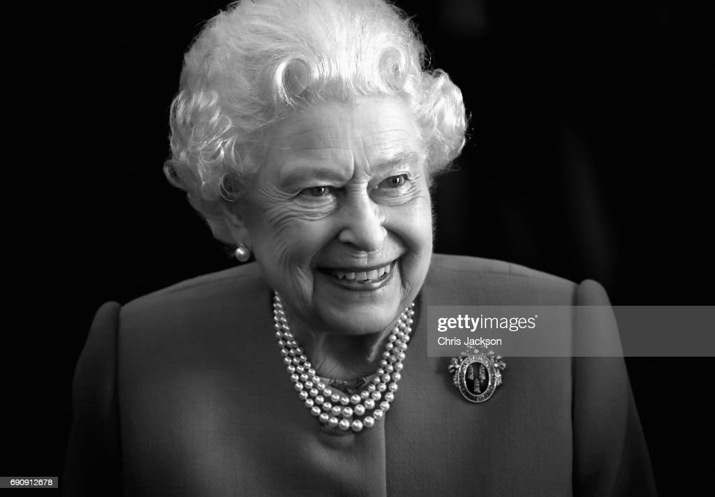 The Queen Visits Drapers' Hall For Luncheon On The 70th Anniversary Of Her Majesty's Admission To The Freedom Of The Company : News Photo