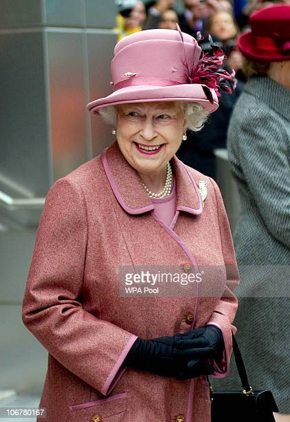 Queen Elizabeth II visits KPMG's new building in Canada Square Canary Wharf on November 12 2010 London England The Queen made a short tour of the...
