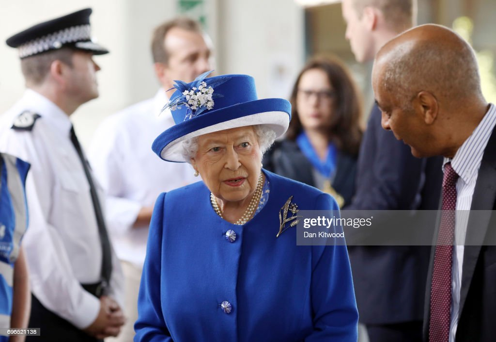 The Queen Visits Scene Of Grenfell Tower Fire : News Photo