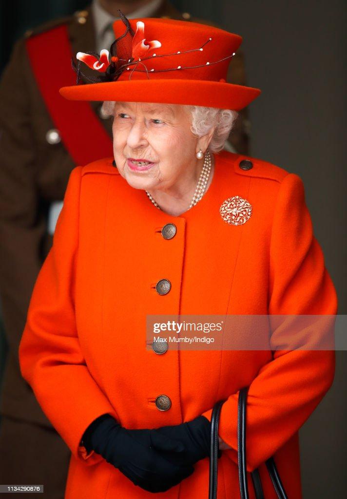 Queen Elizabeth II Visits The Science Museum : News Photo