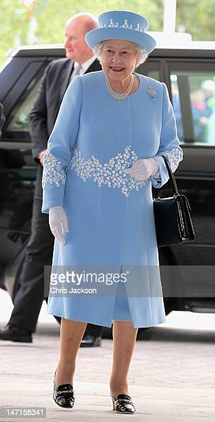 Queen Elizabeth II visits the South Western Acute Hospital on June 26 2012 in Enniskillen Northern Ireland The Queen and Duke of Edinburgh are on a...