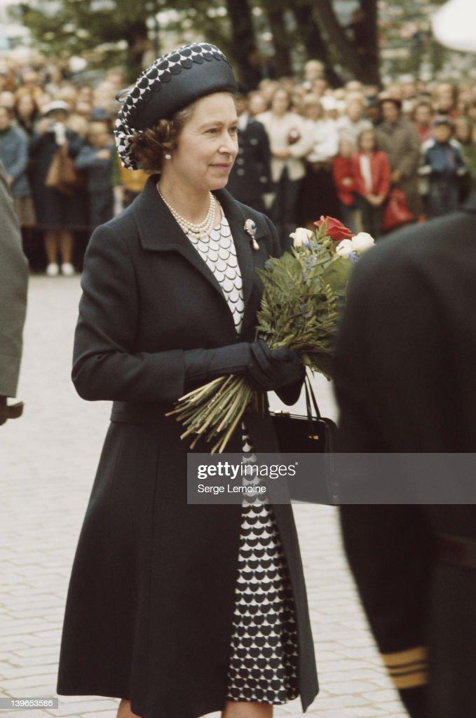 Queen In Black : News Photo