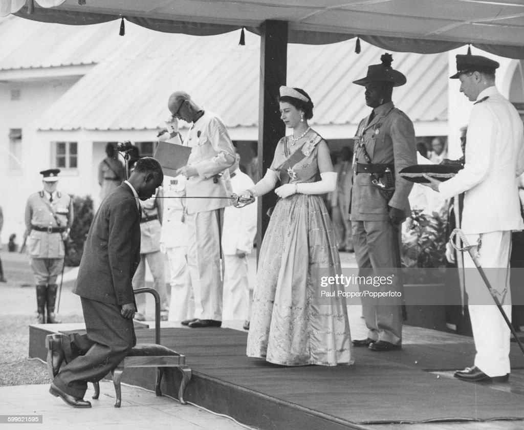 Queen Elizabeth II In Nigeria : News Photo