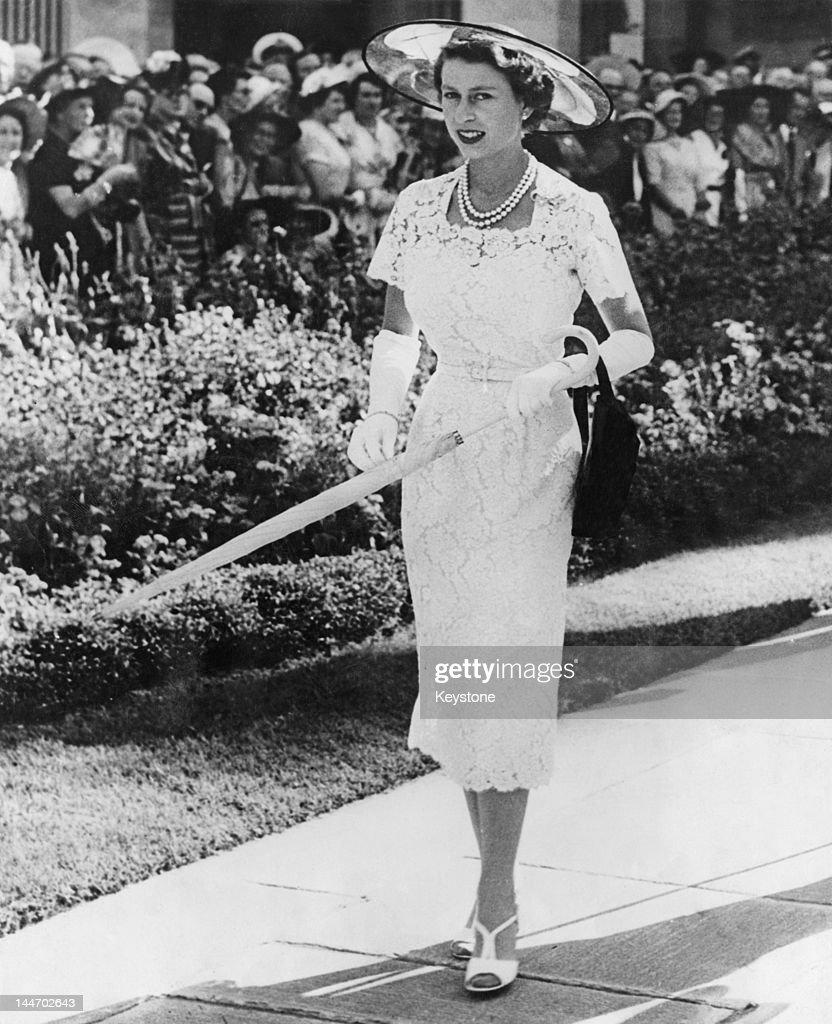 Queen In Sydney : News Photo