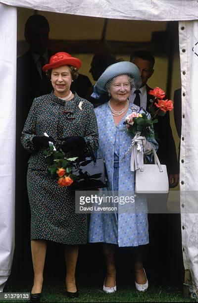 Queen Elizabeth II with her mother Queen Elizabeth the Queen Mother visit the Sandringham Flower Show on July 29 1987 in Sandringham Norfolk