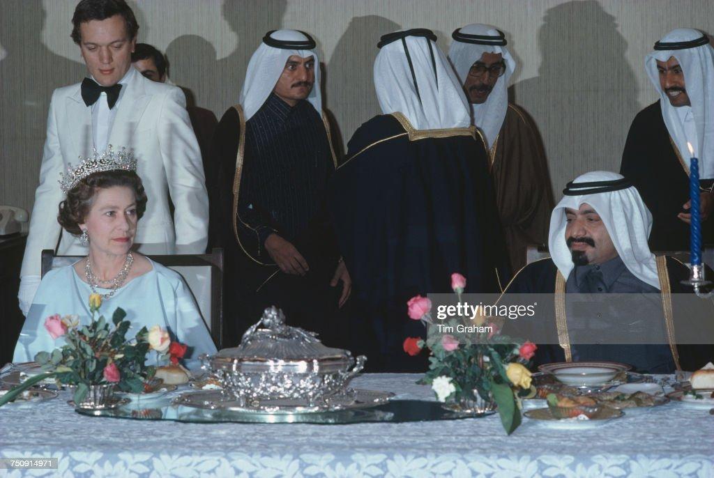 Queen Elizabeth II In Qatar : News Photo