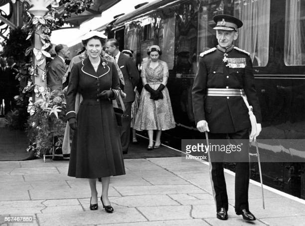 Queen Elizabeth II with Lord Lieutenant MajorGeneral G T Raikes at Brecon Station During Queen Elizabeth II and the Duke of Edinburgh's tour of Wales...