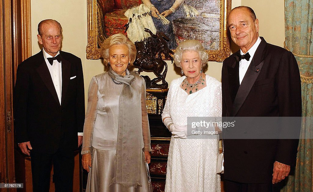 French President Jacques Chirac Attends State Banquet At Windsor Castle : News Photo
